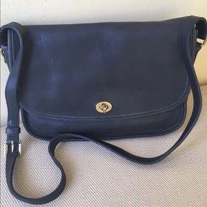 Coach shoulder purse vintage EXCELLENT CONDITION